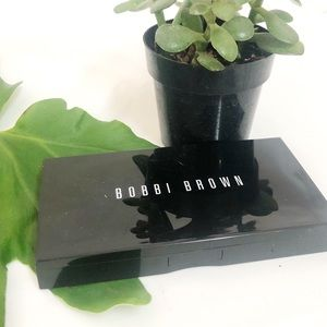 Bobbi Brown skin weightless powder foundation warm